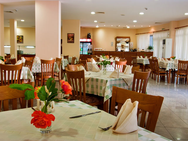 Hotel Ljuljak - Food and dining