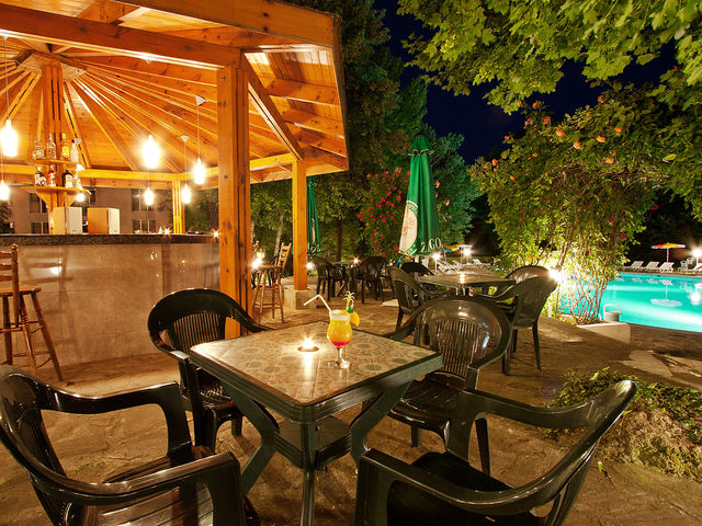 Hotel Ljuljak - Food and dining